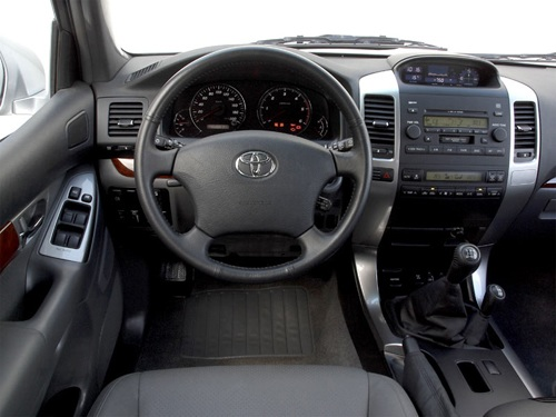 Салон Toyota Land Cruiser Prado