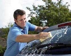 Перед началом полировки автомобиль обязательно следует вымыть